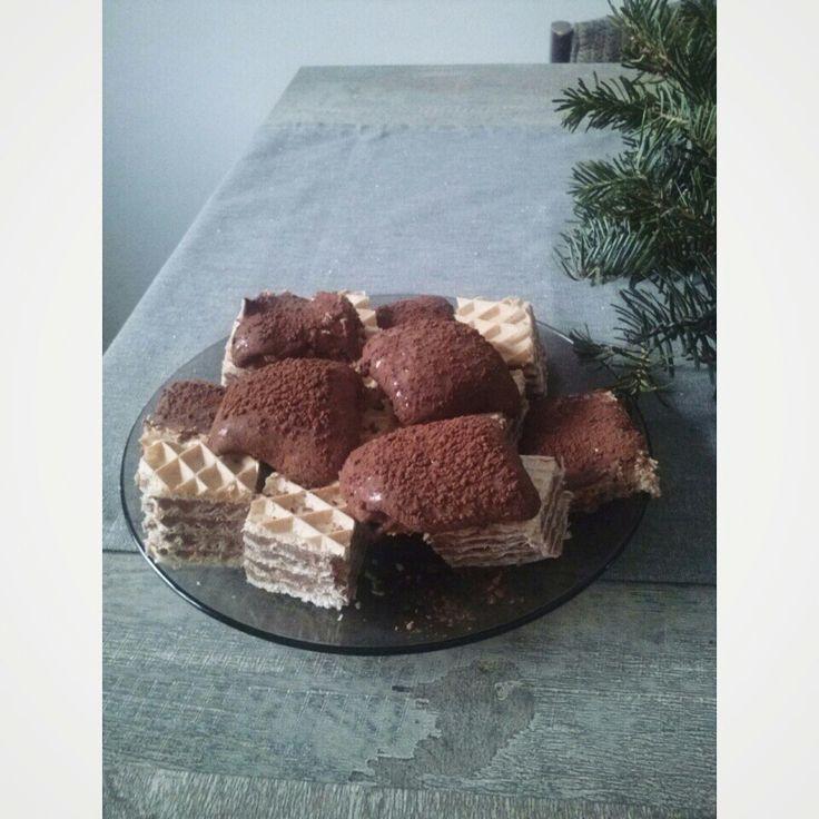Marcelino  si ciocolata de casa cu foi de napolitane