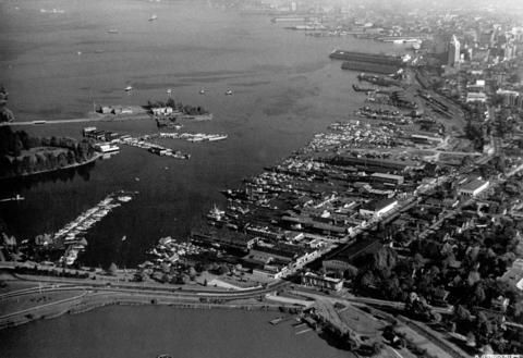 [Aerial view of Vancouver Harbour looking east from Lost Lagoon] - City of Vancouver Archives