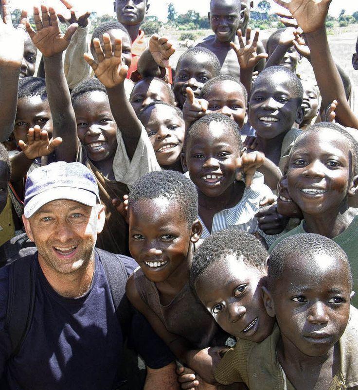 ילדים בכפר עם המדריך http://www.sands.co.il/world.php?c=6