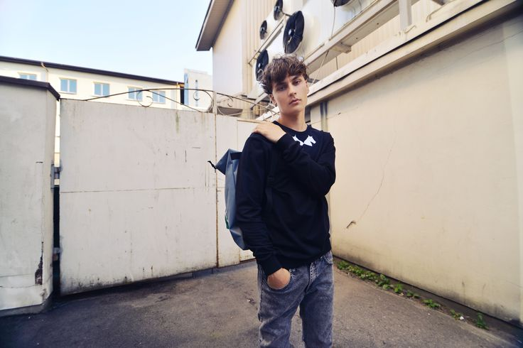 urban uniform #5 = unisex collar sweatshirt + cloudy landscape backpack