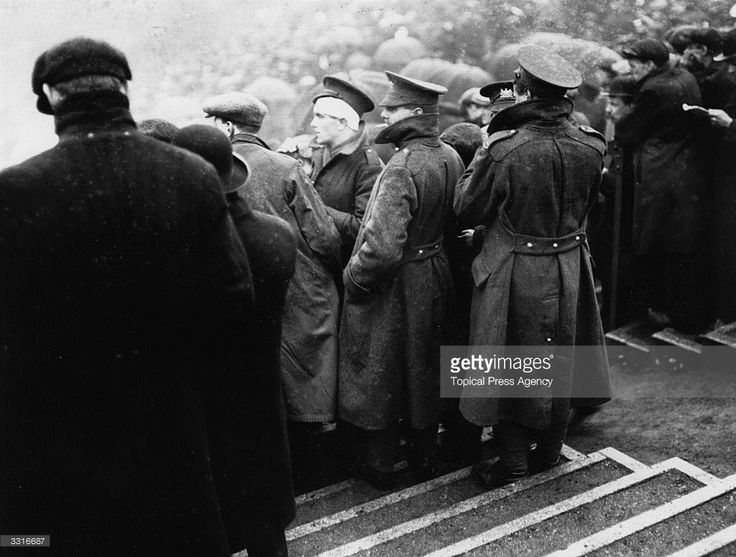 Wounded soldiers watch the FA Cup Final between Sheffield United and Chelsea at Old Trafford, Manchester.