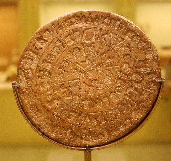 Ο δίσκος της Φαιστού· το πρώτο έντυπο στην παγκόσμια ιστορία Γιατί υπάρχει αυτό το τεχνούργημα; Ποιος είναι και για ποιο σκοπό δημιουργήθηκε; Τι είδους πληροφορίες αποθηκεύονται στο δίσκο;