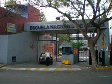 En la Escuela de Música de la UNAM es el principal centro en donde me desenvuelvo como asistente de profesor, alumno e investigador