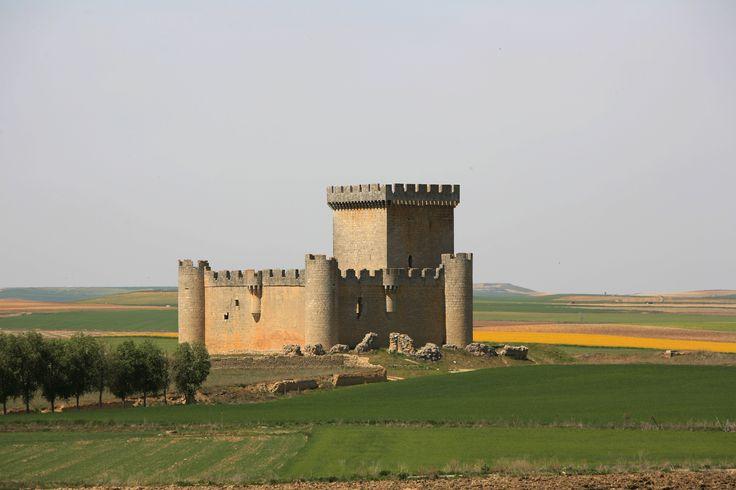 Castillo de los Marqueses de Alcañices, donde vivió y murió el Conde Duque de Olivares. Toro (Zamora)