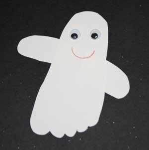 DIY Hallowen: DIY Footprint Ghost Craft
