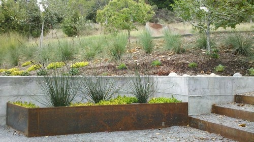 how to build a steel retaining wall