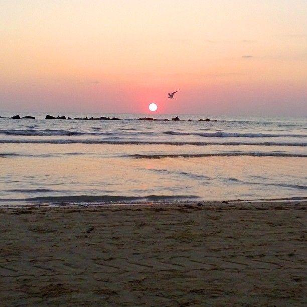 6.09 am. Here comes the sun (nananana!)