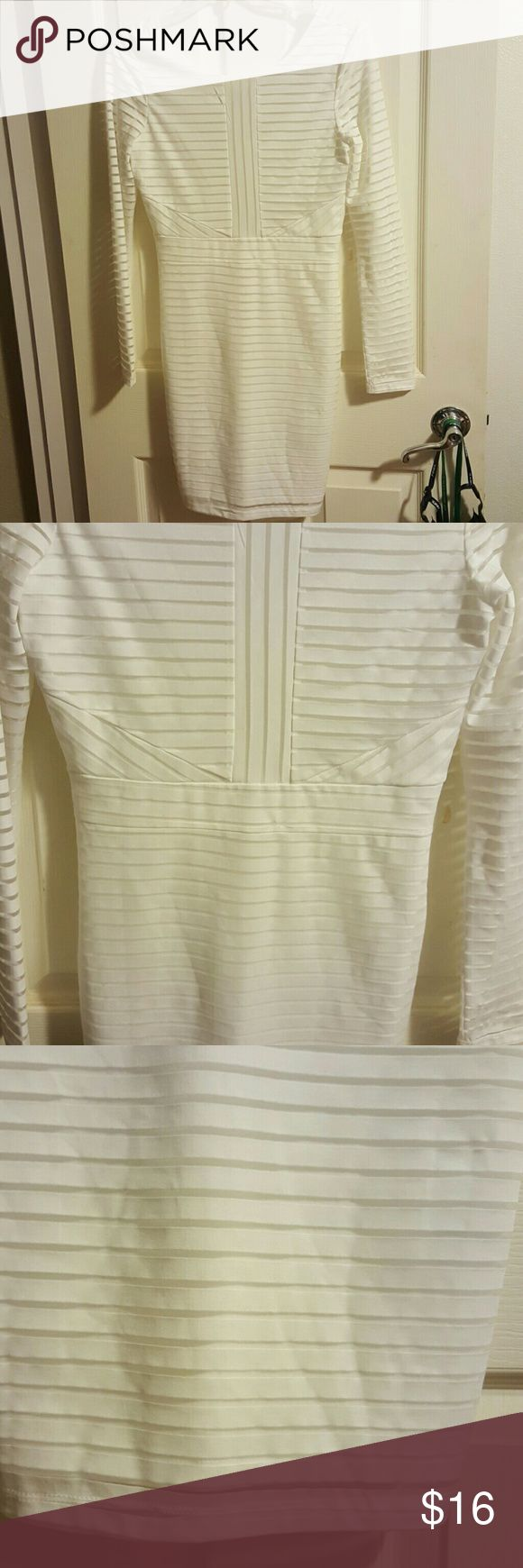 White long sleeve striped stretchy v back dress White long sleeve striped stretchy v back dress Perfect for going out dancing or date night Never worn, immaculate condition   95% polyester  5% spandex  Size Medium  (Not nasty gal brand ) Nasty Gal Dresses