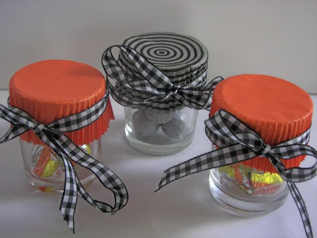 cupcake liners!Cupcake Liners, Glasses Votive, Cupcakes Liner, Gift Ideas, Halloween Gift, Last Minute, Cupcakes Wrappers, Halloween Ideas, Halloween Favors