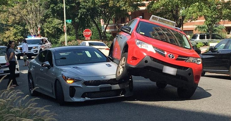 This Sad Kia Stinger Was Squished By A Toyota RAV4 #Accidents #Kia