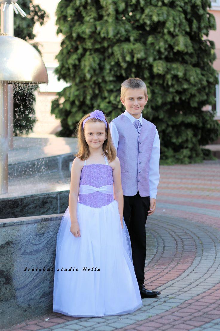 Dětské fialové šaty na svatbu - dětské šaty pro družičky - Půjčovna šatů- Svatební studio Nella- Česká Lípa