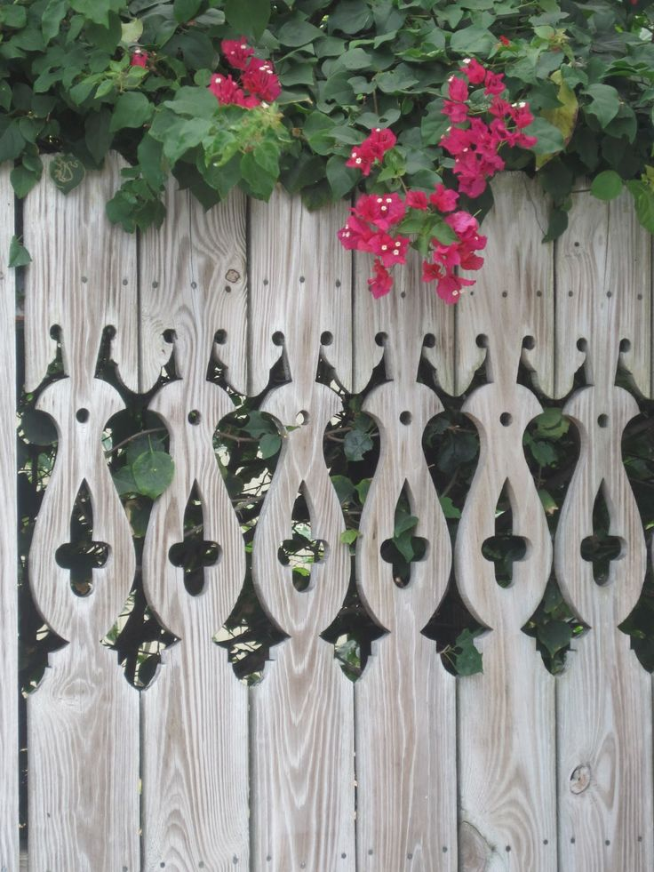 rustic looking fencing | Pretty Old Houses: Picket Fences of Key West