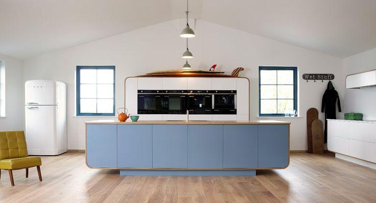http://www.devolkitchens.co.uk/kitchens/air-kitchen/cotes-mill-2014-kitchen/