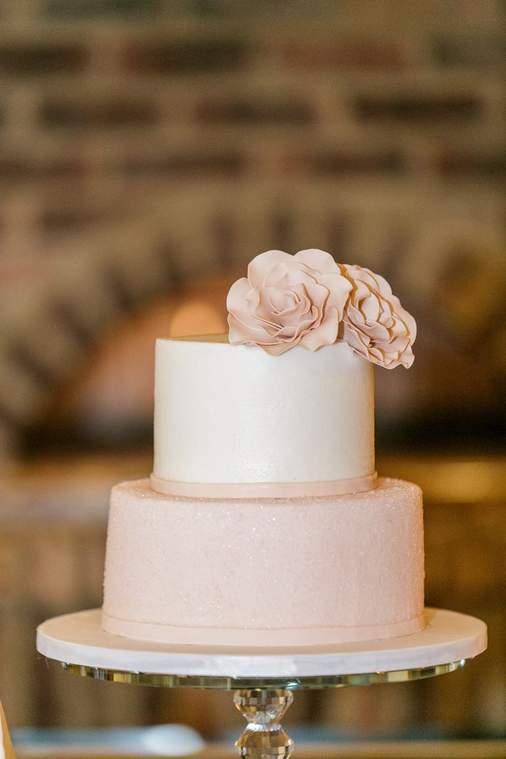 Simple intimate wedding cake made by Bella Collina's kitchen!