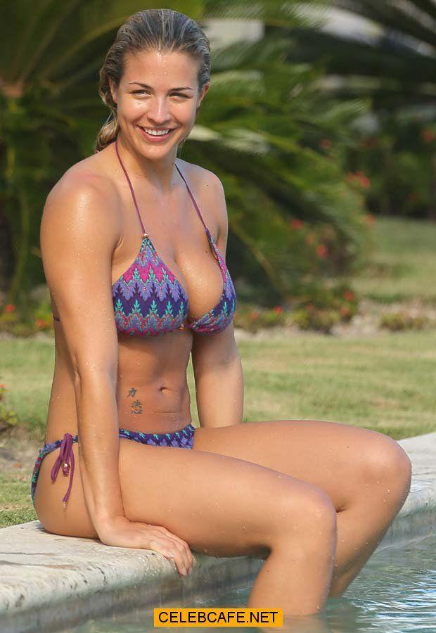Gemma Atkinson - wearing a bikini in the Dominican Republic Nov 2013 (1).jpg (620×900)