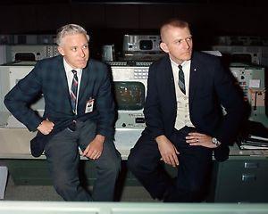 GENE KRANZ JOHN HODGE FLIGHT DIRECTORS MISSION CONTROL 8X10 NASA ...