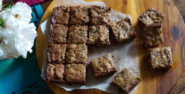 Paleo Caramel Date Slice | Paleo Recipes