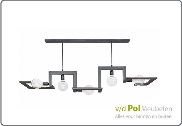 Stoere, industriële hanglamp met karakter! Ideaal boven een eettafel. Lamp Tortona is gemaakt van metaal en heeft 5 lichtbronnen. Maatwerk mogelijk, zodat uw favoriete hanglamp boven uw eethoek kan stralen. Vraag bij van de Pol Meubelen voor de mogelijkheden.