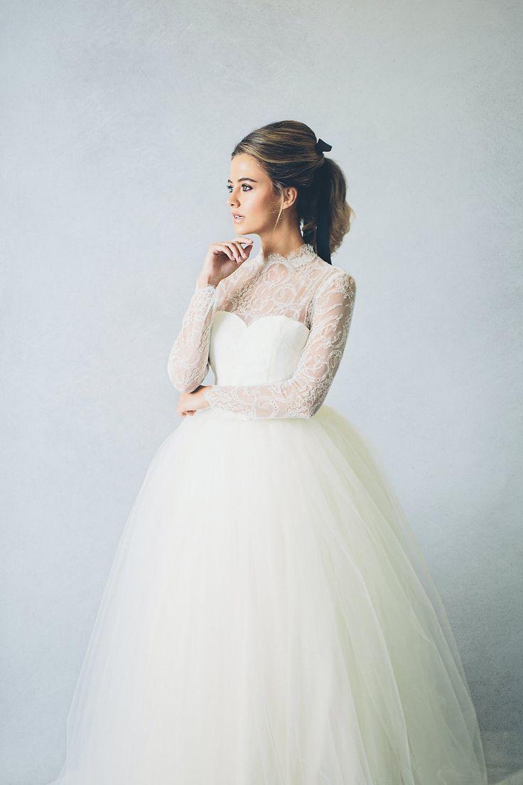#brautkleid #gown #bridalgown Elizabeth Stuart Brautmode Kollektion 2016 | Hochzeitsblog - The Little Wedding Corner