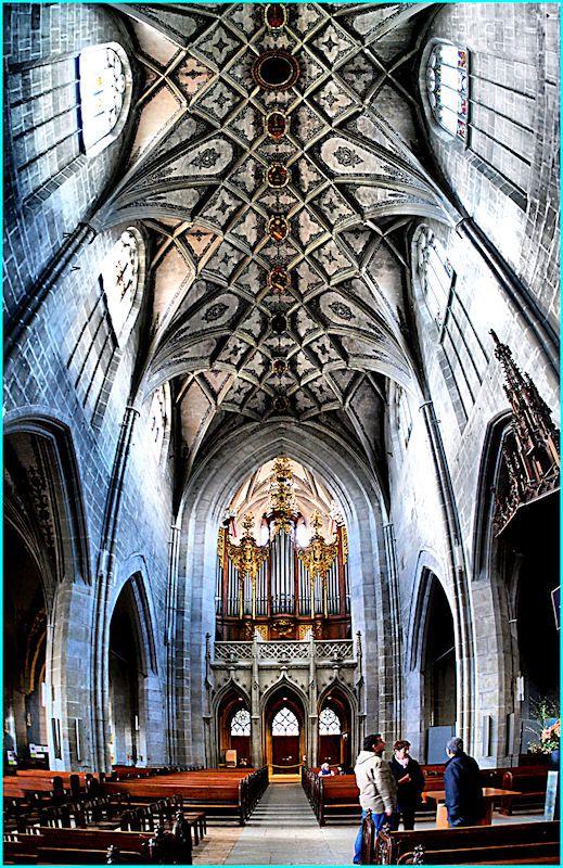 Cathedrale Bern. http://www.europealacarte.co.uk/blog/2012