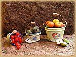 Миниатюрные ведра и урожай