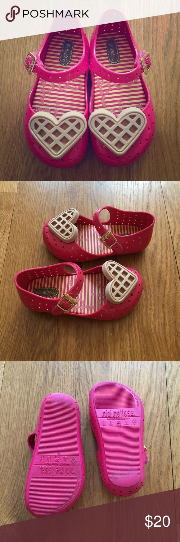 Mini Melissa Cute Waffle Heart Shoes / Size 8 / 💕 Mini Melissa Toddler Girl sandals in good used condition! Pink shoes with cute heart detail. Made in Brazil. Fruity scent! Mini Melissa Shoes Sandals & Flip Flops