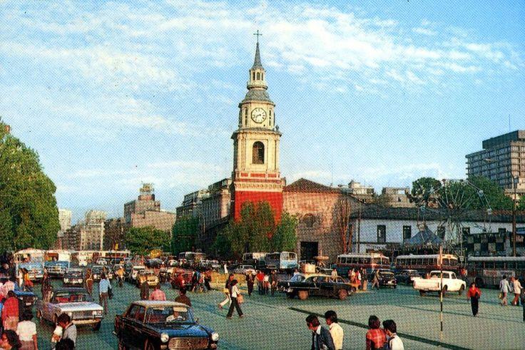 Panorámica del Barrio Cívico de Santiago desde el Palacio de la Moneda en los años '60s.