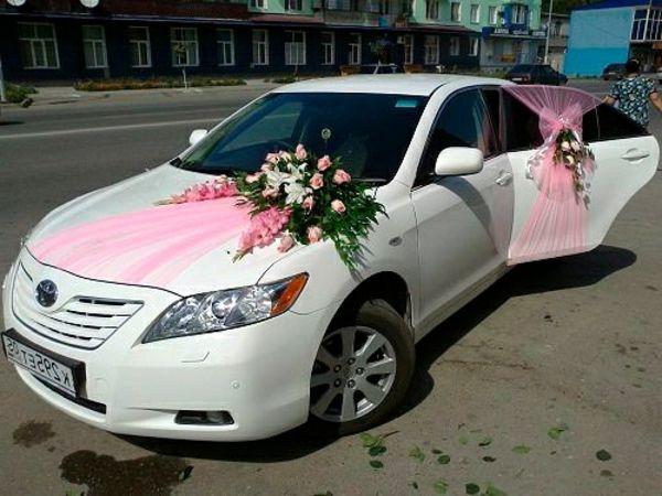 La décoration de voiture de mariage , c\u0027est faisable!