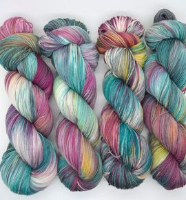 75% Superwash Merino & 25% Nylon, 4ply Fingering weight yarn, 425m (467 yards) and 100g  Tidepoolhas a teal and plum basewith green, some yellow and pinkshading.  75/25 4ply yarn is smooth, soft and the most durable sock yarn making it the perfect choice for all projects: socks, baby clothing, shawls, cardigans, and sweaters. The softness and drape is fab next to the skin.  It is recommended to knit a swatch to obtain the gauge you need for the pattern you are knitting or to see wh...