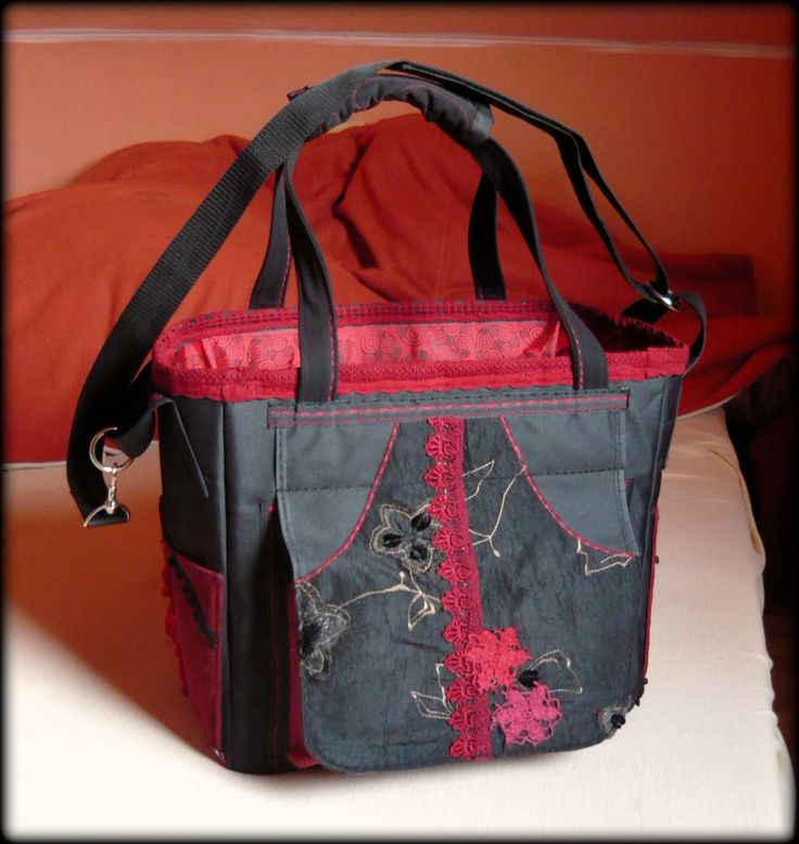 Handmade by Judy Majoros - Black-red chrochet scrapbooking tote-bag. Recycled bag. Materials:chrochet-cordura-rubber strap-velcro-lace-satin...