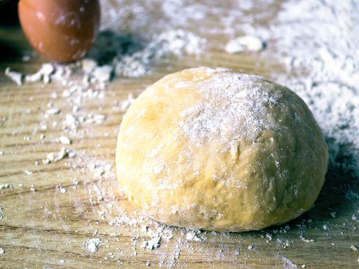 Pâte sablée pour tartes ou biscuits sablés - Recette de cuisine Marmiton : une recette