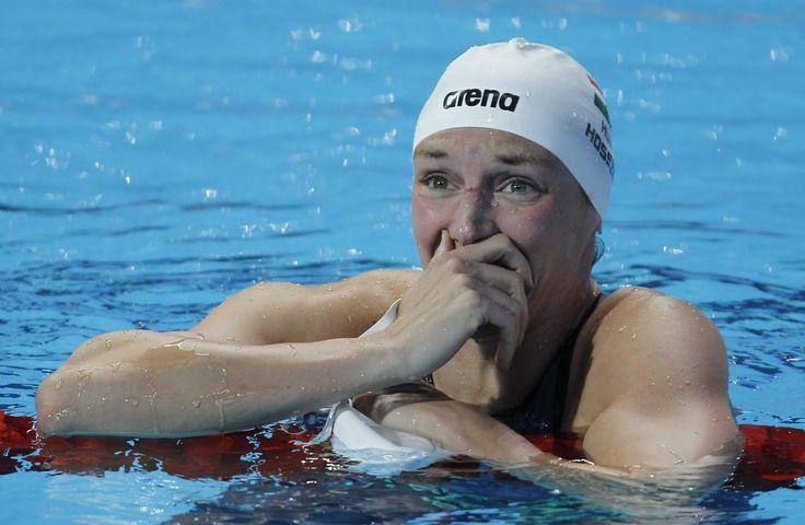 Hosszú Katinka, miután világcsúcsal győzött a kazanyi úszó-, vízilabda-, műugró- és műúszó-világbajnokság műúszóversenyének 200 méteres női vegyesúszásában 2015. augusztus 3-án.
