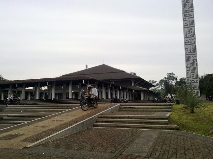 Masjid Bahrul Ulum, Serpong, Indonesia