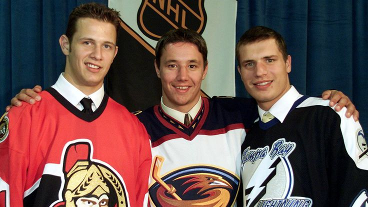 Atlanta Thrashers 1st pick Ilya Kovalchuk (centre) is flanked by 2nd overall Ottawa Senators Jason Spezza (left) and 3rd overall Alexander Svitov (right) after the first round at the NHL Entry Draft in 2001. #NHL #Hockey