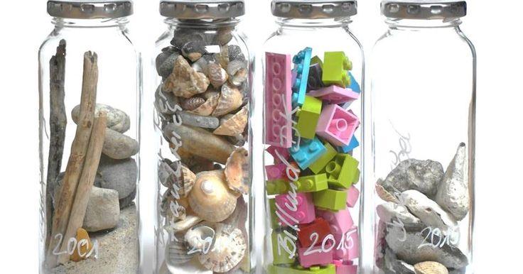 Die Schrift von True Fruits-Flaschen entfernen Pilzduft, Dauerregen, Heißgetränke und Wollsocken lassen den Gedanken kaum zu, aber h...
