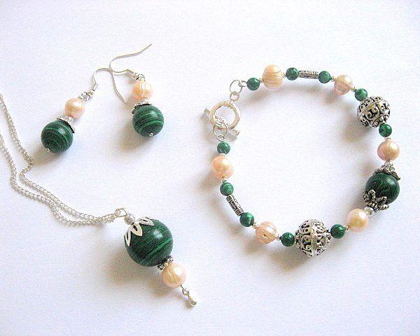 Perle naturale si malachit set cercei, pandantiv si bratara - idei cadouri femei - ocazie - pietre semipretioase