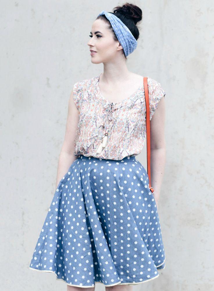 bunte Bluse, schwingender Midirock, polka dot midid skirt, Bandana, Mode Blog, Fashion Blog, Like A Riot, Retro Look, Retro Style, Vintage Fashion, 60s