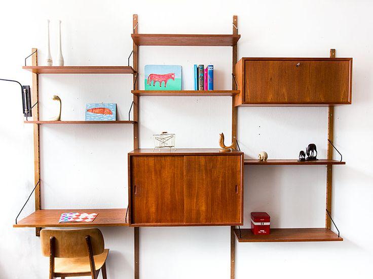 Poul Cadovius wall system in teak | Vintage Furniture Base