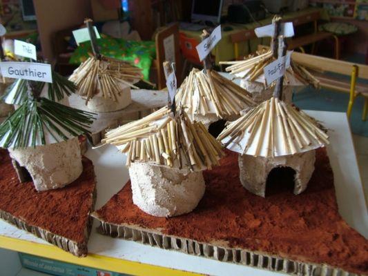 Nous fabriquons des cases africaines - Le site de Lulu