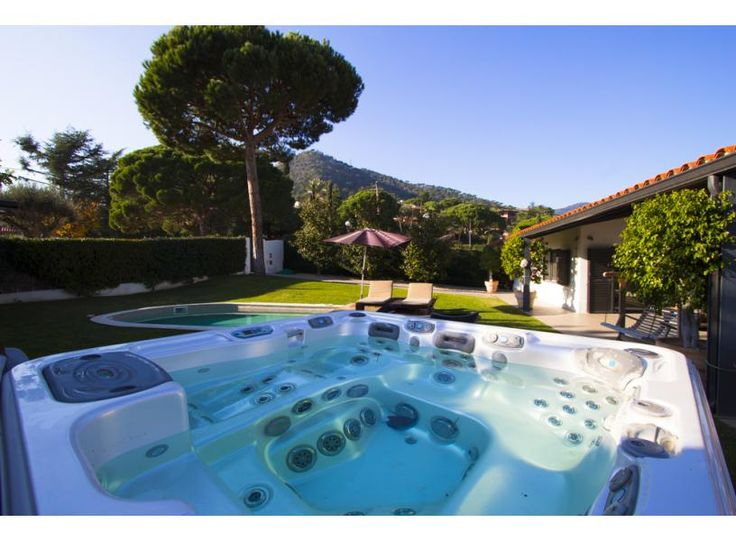 Experience the awesome guest services which you never see before with Catalunya Casas. It provides the apartment, house and Villa with private pool in Costa Brava, Costa Dorada and Barcelona, Spain. Book your house or villa now @ http://www.catalunyacasas.com