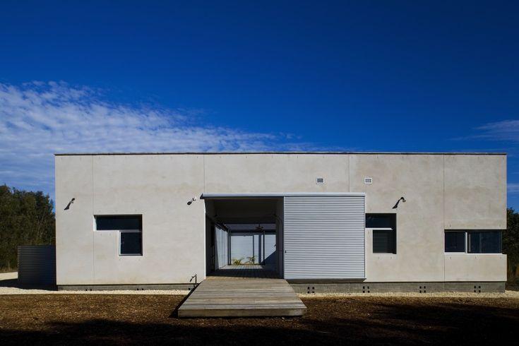 Beach House / Bourne Blue Architecture (11)