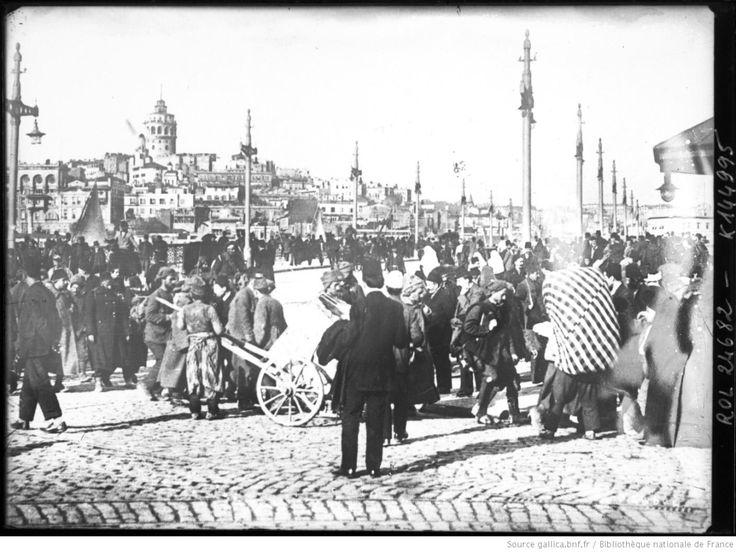 Balkan Göçmenler Eminönü'nde / 1912 Bibliothèque nationale de France, département Estampes et photographie, EST EI-13 (209)