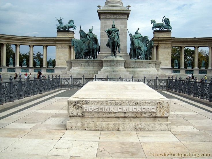 Heroes Square, Budapest, Hungary | Heroes' Square, aka Hosok tere, built in 1900. An empty tomb dedicated ...