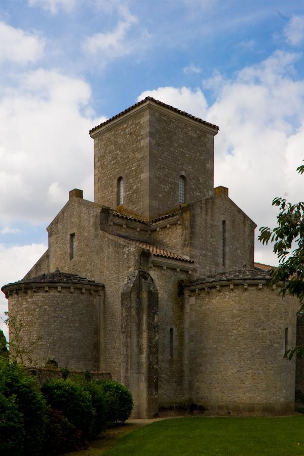 Eglise de Germigny-des-Prés (Loiret)  Probablement la plus vielle église de France : époque carolingienne an 806