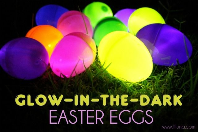 Glow-in-the-dark Easter eggs: Glow Sticks, Easter Parties, Crafts Ideas, Dark Eggs, Fun Ideas, Easter Eggs Hunt'S, Easter Food, Glowinthedark Easter, Glow In The Dark Easter