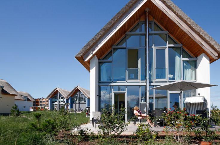 Sie suchen ein Ferienhaus Ostsee nah gelegen? Das Luxus-Ferienhaus Eli in Heiligenhafen wird Sie mit seinen Highlights verführen.