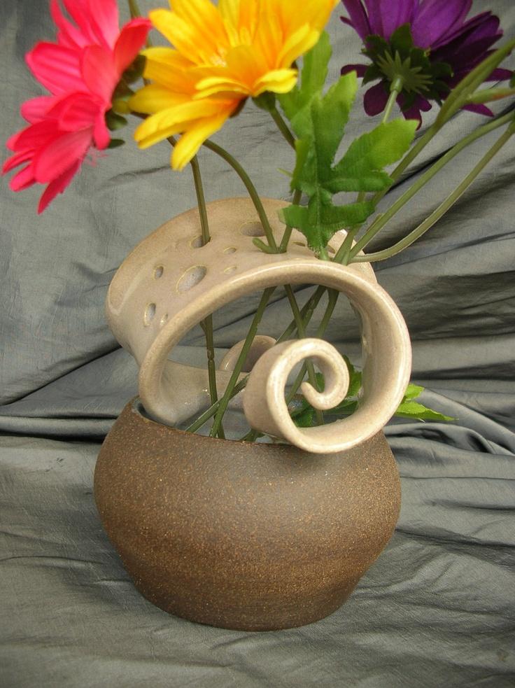 . . . love the flower frog! . . .