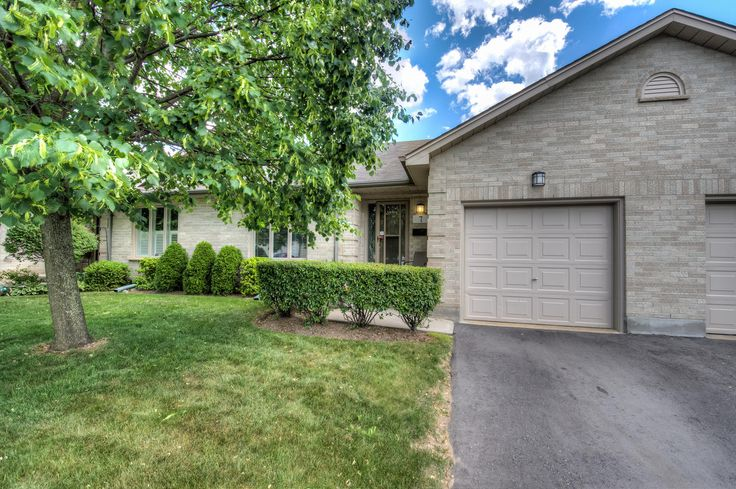 1-Floor Townhouse Condo w/ Garage in Northeast London! -   $234,900 - http://www.JeffBroughton.ca/listing/cms/99-edgevalley-rd-7-london/ -   #RealEstate #ForSale in #London #Ontario by #Realtor