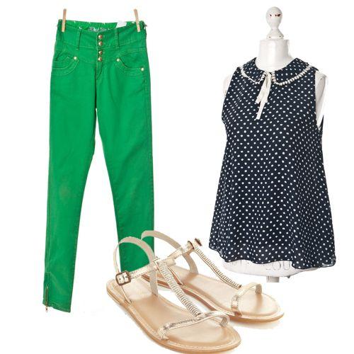 Groszki+ jednolite kolory |  Bluzka z kołnierzem #Atmosphere  (butik #Wzorcownia), Rurki Denim Co (butik Wzorcownia), Sandały #Monsoon