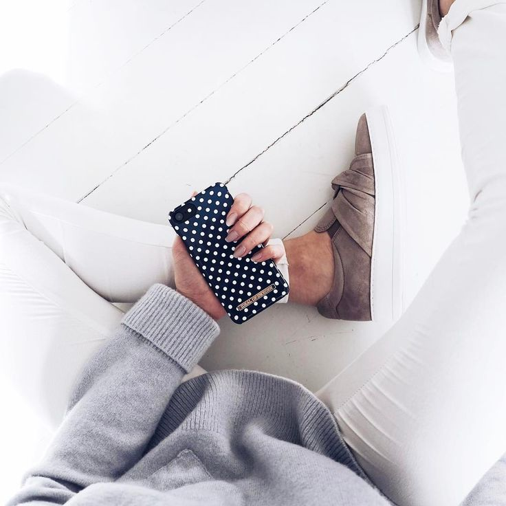 Blue Polka Dots by lovely @filippavictoria - Fashion case phone cases iphone inspiration iDeal of Sweden #Pokadots #blue #marin #fashion #inspo #iphone